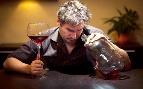Пьющие люди редко вызывают симпатию
